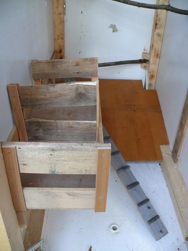 h hnerkram zum zweiten das h hnerhaus wird gebaut. Black Bedroom Furniture Sets. Home Design Ideas